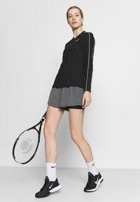 Nike Performance - SHORT - Sports shorts - black heather/black/white - 3