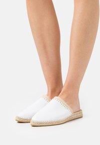 Macarena - IMA  - Pantofle - oslo blanco - 0