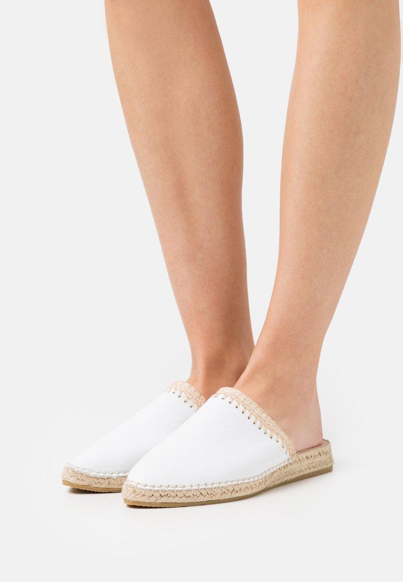 Macarena - IMA  - Pantofle - oslo blanco
