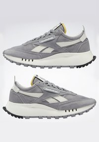Reebok Classic - CLASSIC LEGACY UNISEX - Trainers - mgh solid grey/pure grey/chalk - 10