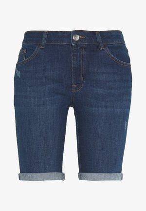 PETITES DENIM KNEE - Denim shorts - indigo