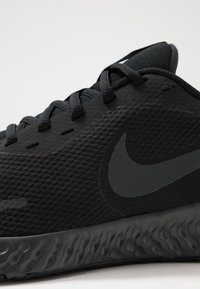 Nike Performance - REVOLUTION 5 - Juoksukenkä/neutraalit - black/anthracite - 5