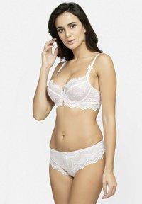 Avant-Garde Paris - SET - Underwired bra - white - 4