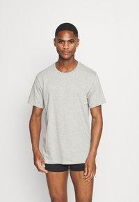 Calvin Klein Underwear - CLASSICS CREW NECK 3 PACK - Camiseta interior - grey - 1