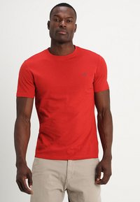 Marc O'Polo - SHORT SLEEVE ROUND NECK - Basic T-shirt - pompeian red - 0