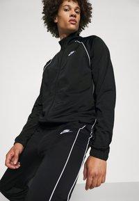 Nike Sportswear - SUIT SET - Sportovní bunda - black/white - 3
