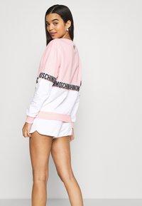 Moschino Underwear - SHORTS - Pyjamasbukse - pink - 2