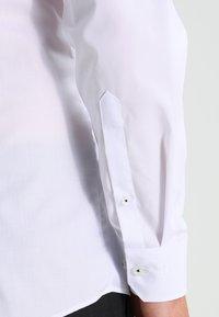 OLYMP Level Five - SUPER SLIM FIT - Formální košile - weiß - 4