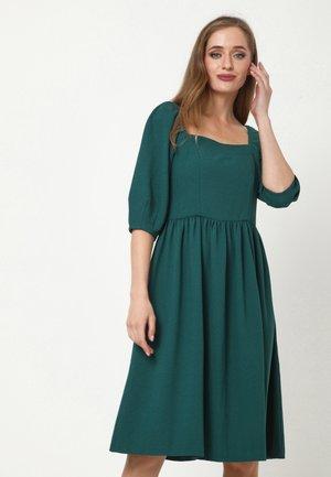 CHANTALE - Day dress - grün