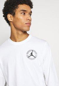 Jordan - BRAND CREW - Long sleeved top - white - 3