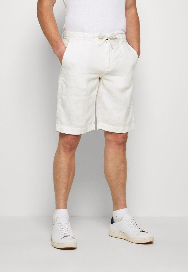 BERMUDA LINO - Shorts - white