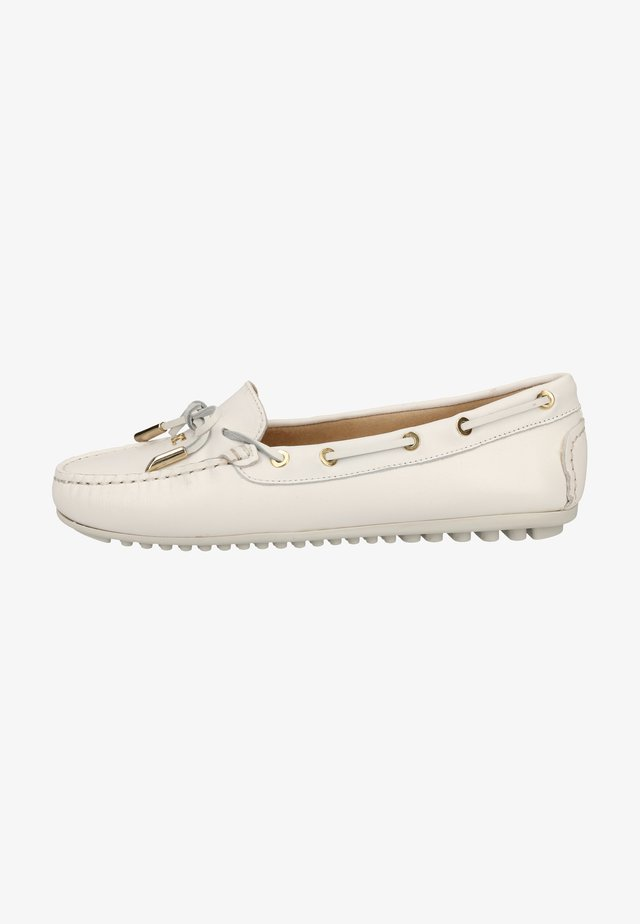 Boat shoes - white