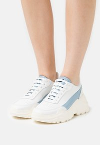 Joshua Sanders - EXCLUSIVE ZENITH CLASSIC DONNA - Trainers - white/artik touch - 0