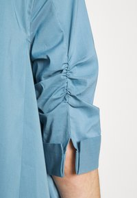 Steffen Schraut - BENITA FASHIONABLE BLOUSE - Button-down blouse - arctic blue - 6