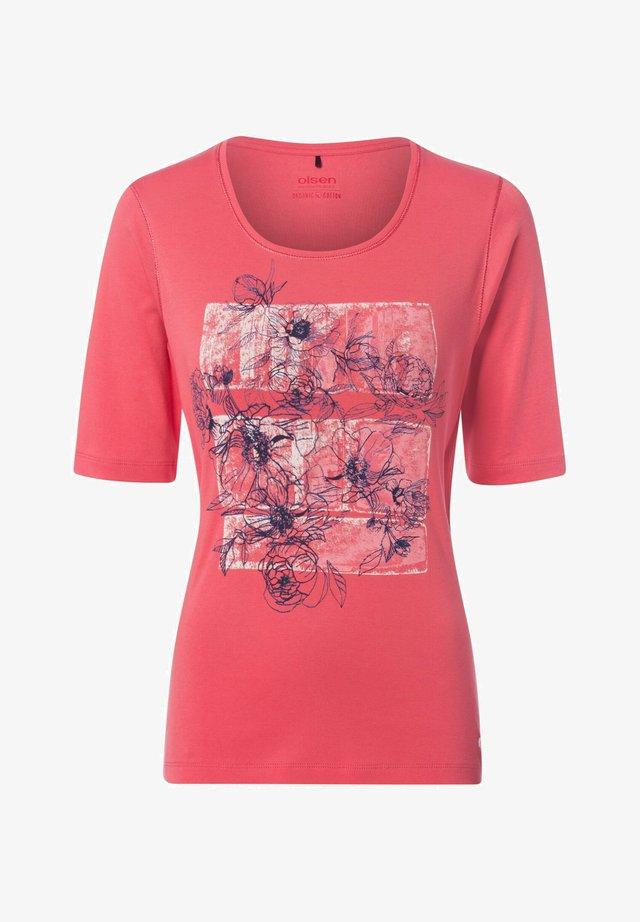 MIT BLUMEN-MOTIV - Print T-shirt - koralle
