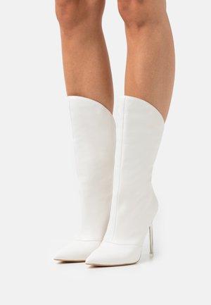 SAMWELL - Stivali alti - white