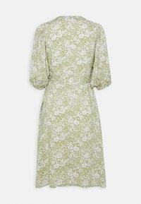 Gina Tricot - DITA DRESS - Vestido informal - green/white - 6