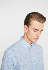 GANT - DITZY HUSK  - Hemd - white/blue - 4