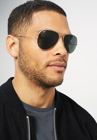 Ray-Ban - 0RB3025 AVIATOR - Solbriller - gold-coloured - 1