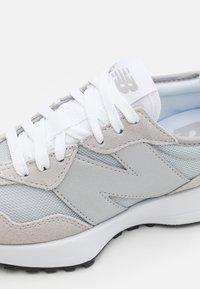 New Balance - 327 - Sneaker low - rain cloud - 5
