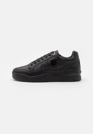 PURSUIT CAMO - Sneakers basse - black
