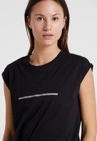 Even&Odd active - T-shirts med print - black - 5