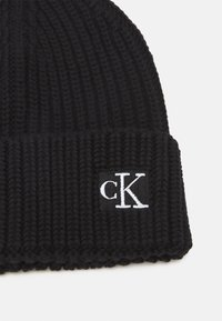 Calvin Klein Jeans - MODERN ESSENTIALS BEANIE UNISEX - Beanie - black - 2