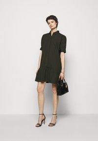 Bruuns Bazaar - FREYIE ALISE SHIRTDRESS - Shirt dress - green night - 1