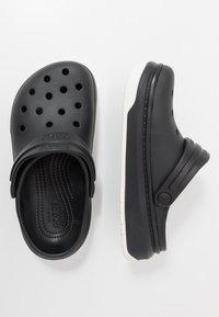 Crocs - CROCBAND FULL FORCE  - Sandały kąpielowe - black - 1