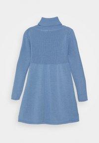 Blue Seven - KIDS ROLLNECK DRESS - Gebreide jurk - hellblau - 1