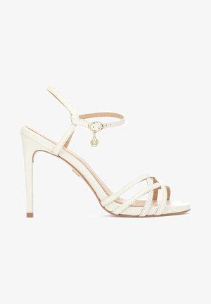 LAZURITE  - Sandały na obcasie - beige/white