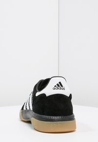 adidas Performance - HANDBALL SPEZIAL - Käsipallokengät - core black - 3