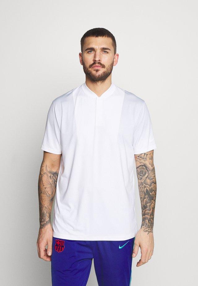 TIGER WOODS DRY BLADE - T-shirt imprimé - white/sky grey