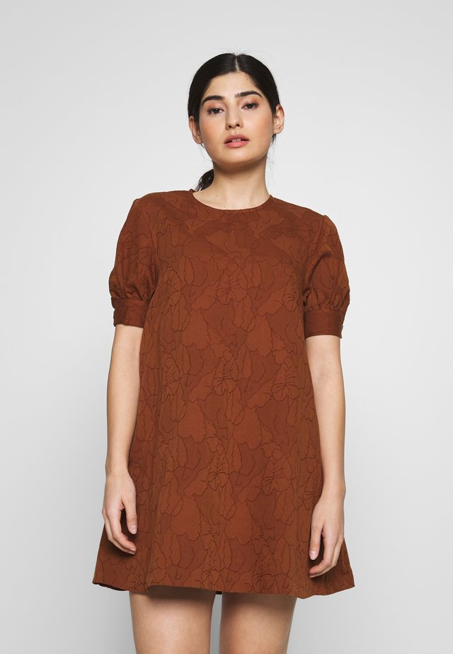 MINI DRESS - Day dress - brown