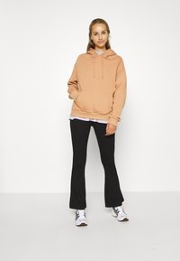 Even&Odd - BASIC - Oversized hoodie with pocket - Hoodie - light tan - 1