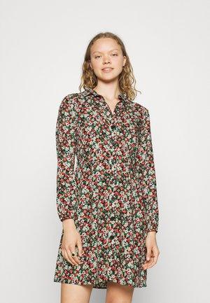 LONG SLEEVE DRESS - Skjortekjole - red