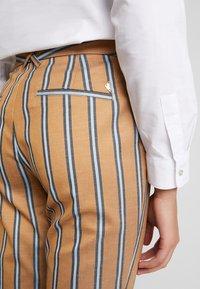 Mos Mosh - BELLA ZETH PANT - Trousers - bran - 6