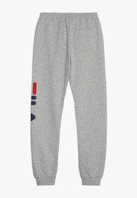 Fila - CLASSIC BASIC PANTS - Spodnie treningowe - light grey melange - 1