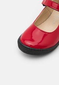 Primigi - Ankle strap ballet pumps - rosso - 5
