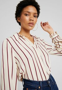 Levi's® - MARCEY - Button-down blouse - sandshell - 5