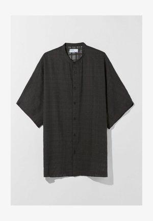MIT KURZEN ÄRMELN - Camicia - black