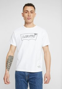 Levi's® Extra - MIGHTY GRAPHIC TEE - Print T-shirt - white - 0