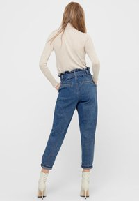 ONLY - HIGH WAIST ONLJANE HW BUTTON PAPERBAG BELT - Relaxed fit jeans - medium blue denim - 2