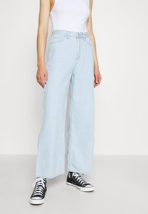 WIDE LEG - Flared Jeans - bleached denim