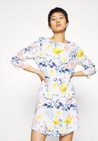 ONLY - ONLSANDRA SHORT DRESS - Denní šaty - cloud dancer - 0