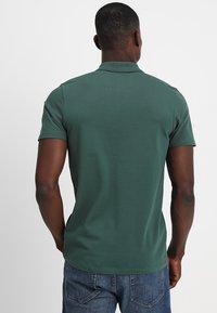 Selected Homme - SLHLUKE SLIM FIT - Polo shirt - trekking green - 2