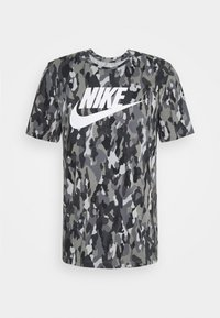 Nike Sportswear - TEE CLUB - T-shirt med print - smoke grey/cool grey/iron grey/white - 4