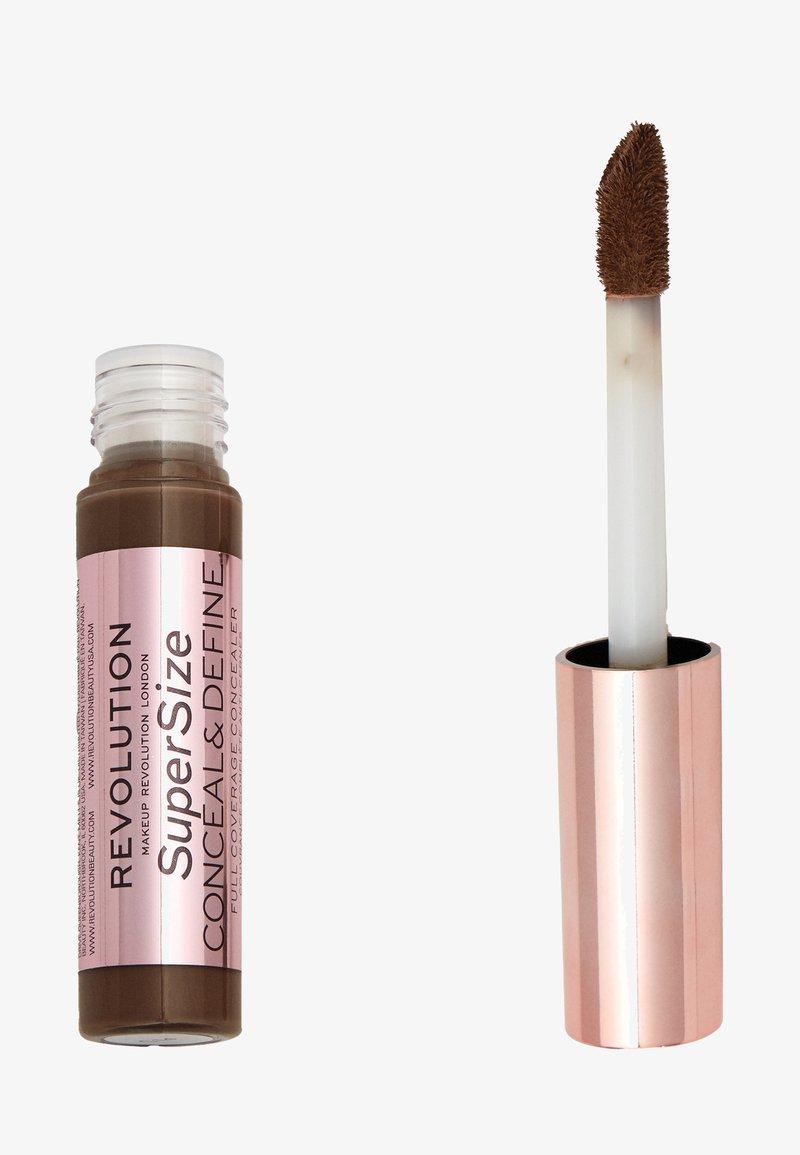 Make up Revolution - CONCEAL & DEFINE SUPERSIZE CONCEALER - Concealer - c17