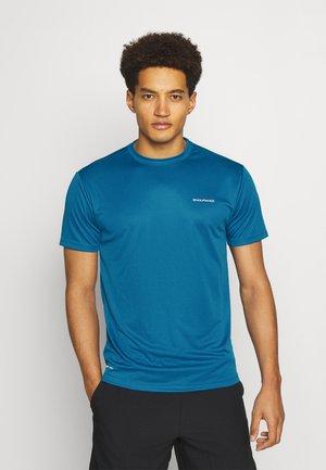 VERNON PERFORMANCE TEE - Basic T-shirt - mykonos blue