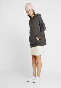 Nly by Nelly - OVERSIZED HOODIE - Sweat à capuche - off black - 1